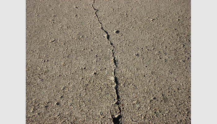 Damp concrete floor / Cracked Concrete Floor